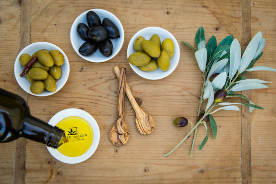 Extra-Virgin-Olive-Oil-101-Masterclass-555x370-about.jpg